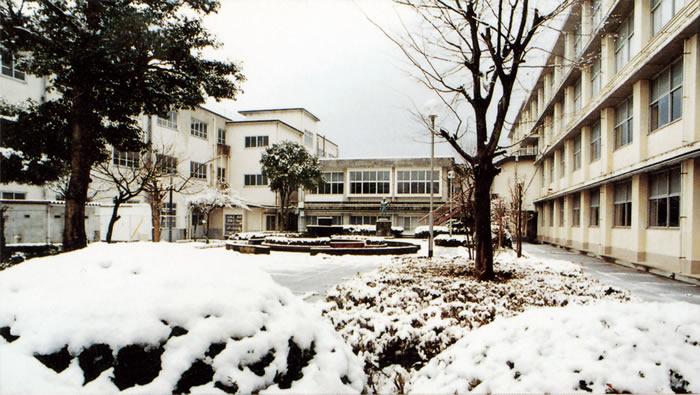 二日町校舎 中庭